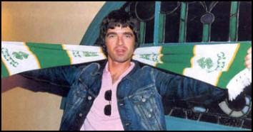 Noel Gallagher scarf