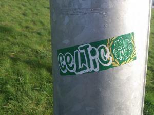 Celtic 4 leaf script