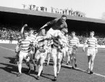1966 League Decider FANS ON ROOF