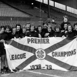 1979 Squad with flag