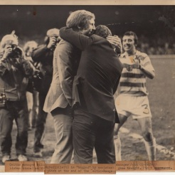 4-2 game Billy McNeill and John Clark hug at game's end