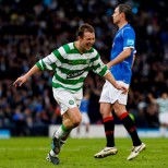 Aiden McGeady celebrates v Rangers