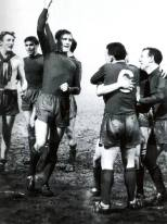 Billy McNeill all green strip celebrates v Vojvodina, QF 1967
