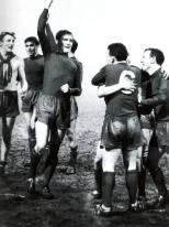 Billy McNeill all green strip celebrates v Vojvodina, QF 1967