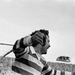 Dixie Deans celebrates close up
