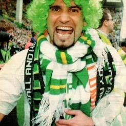 Enrico Annoni celebrating stopping the 10 1998