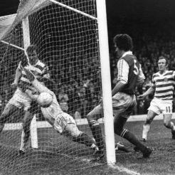 Johannes Edvaldsson and Bobby Lennox v Hibs goal