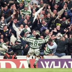 Paul McStay celebrates at Ibrox 1990s