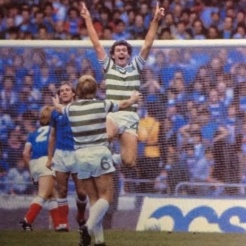 Roy Aitken The Bear celebrates v Rangers