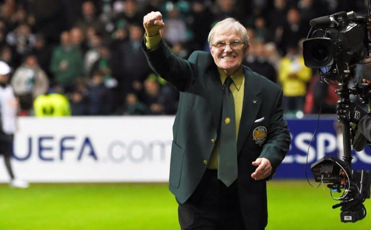 Bertie Auld on pitch before game