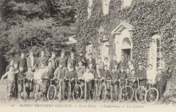 Cyclists at Grove Ferry in front of College
