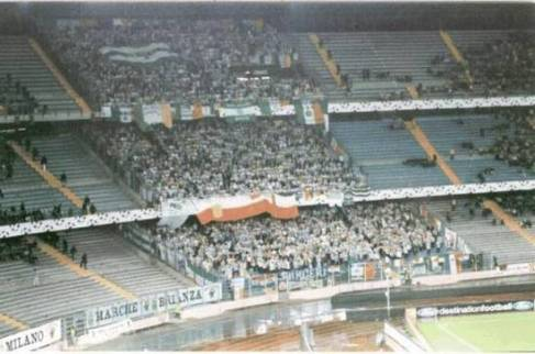 Celtic fans  Turin 2001