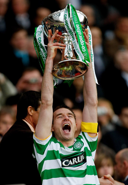 stephen-mcmanus-with-league-cup